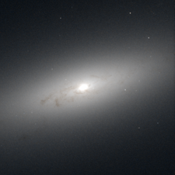NGC 4550 hst 05375 R814 G555.png