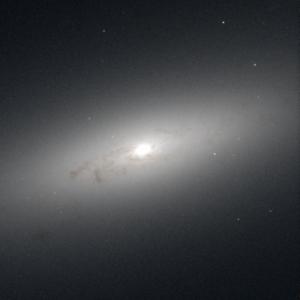 NGC 4550 - Image: NGC 4550 hst 05375 R814 G555