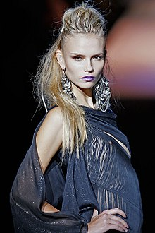 Natasha Poly in Zac Posen Spring 2009, Photo by Ed Kavishe fashionwirepress.jpg