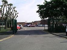 Nicholas Chamberlaine School - Wikipedia