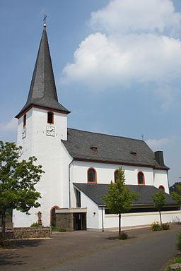 katholische Pfarrkirche St. Martin in Nettersheim im Kreis Euskirchen (Nordrhein-Westfalen), Am Kirchberg