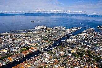 Trondheim - Image: Nidelva utløp Trondheim