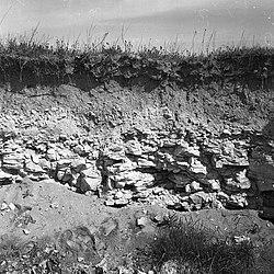 """Odkrywkowa """"kopalnia"""" łupku kamiennego w polu - Czapów k. Uniejowa - 000512n.jpg"""