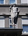 Old man statue at Péterfy Hospital, 2018 Erzsébetváros.jpg