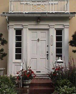 Door with sidelights & Sidelight - Wikipedia