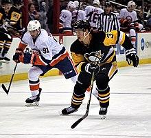 220px-Olli_Maatta_2017-12-07 John Tavares New York Islanders Team Canada Toronto Maple Leafs