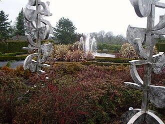 Oregon Garden - Image: Oregon Garden amazing water fountain 2007 12 23 15 13 53 0057