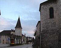 Ormes mairie et église 154.jpg