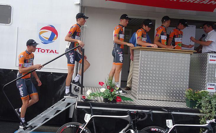 Péronnes-lez-Antoing (Antoing) - Tour de Wallonie, étape 2, 27 juillet 2014, départ (C015).JPG