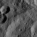 PIA20685-Ceres-DwarfPlanet-Dawn-4thMapOrbit-LAMO-image105-20160418.jpg