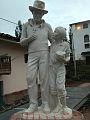 PadreUgo-estatua.jpg