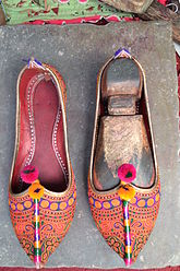 Pair of Pakistani Rural shoe.JPG