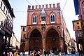 Palazzo della Mercanzia a Bologna.jpg