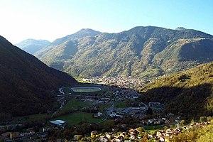 Edolo - Image: Panorama di Edolo (Foto Luca Giarelli)