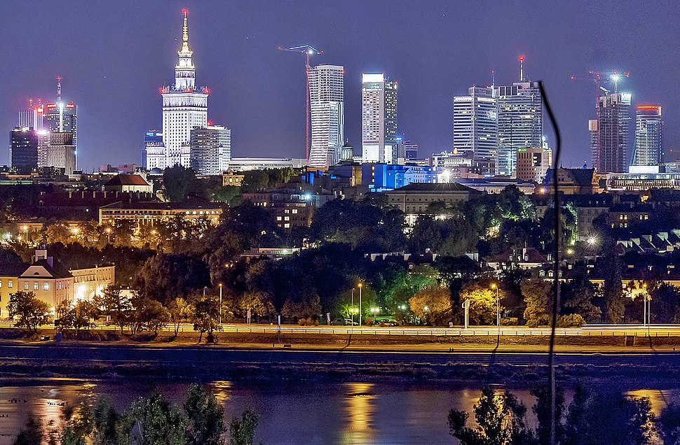 Panorama of Warsaw by night (cropped)
