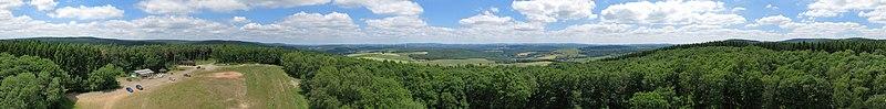 Panorama vom Aussichtsturm Hattgenstein.jpg