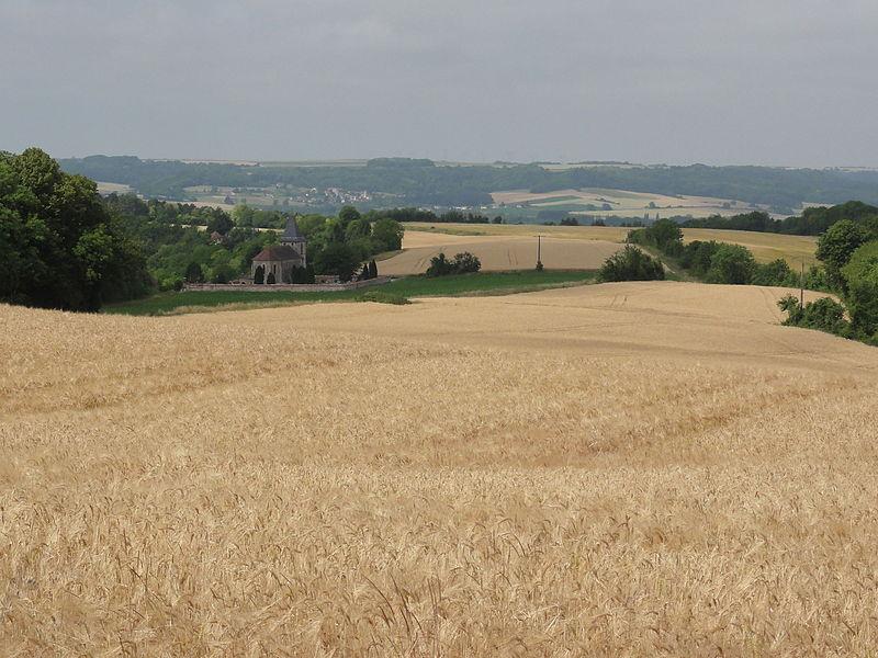 Pargnan (Aisne) paysage avec vue sur l'église de Pargnan