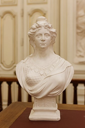 Sculpture of Marianne, a common national personification of the French Republic. Paris, mairie du 10e arrdt, salle des mariages, Marianne 02.jpg