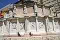 Perugia - Fontana Maggiore - 1 - Mesi - 05-07 - Aprile-Luglio- Foto G. Dall'Orto 6 ago 2006.jpg