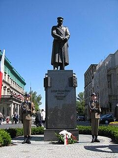 Józef Piłsudski Monument, Warsaw