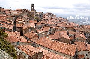 Piancastagnaio - Image: Piancastagnaio panorama