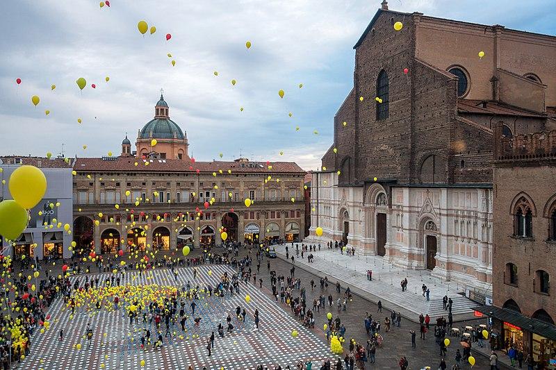 File:Piazza Maggiore, World Food Day 2015.jpg