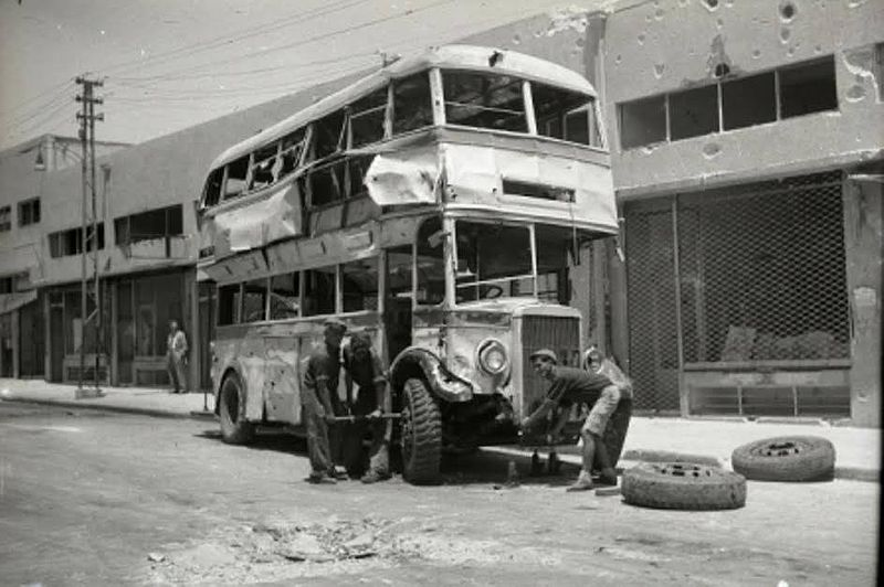 תל אביב - אוטובוס קומותיים