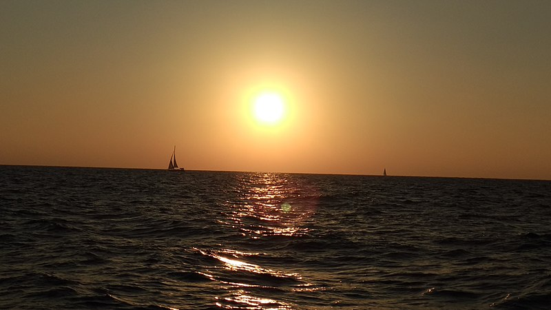 שקיעה בים התיכון