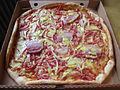 Pizza Papillon från Pizzeria Valentino i Falköping 9530.jpg
