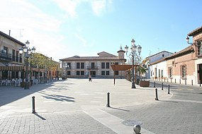 Plaza de la Constitucion and City Hall. El Casar (Guadalajara).jpg