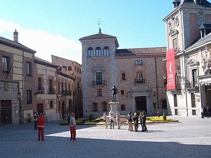 صور مدينه مدريد الاسبانيه  430px-Plaza_de_la_Villa_%28Madrid%29_05