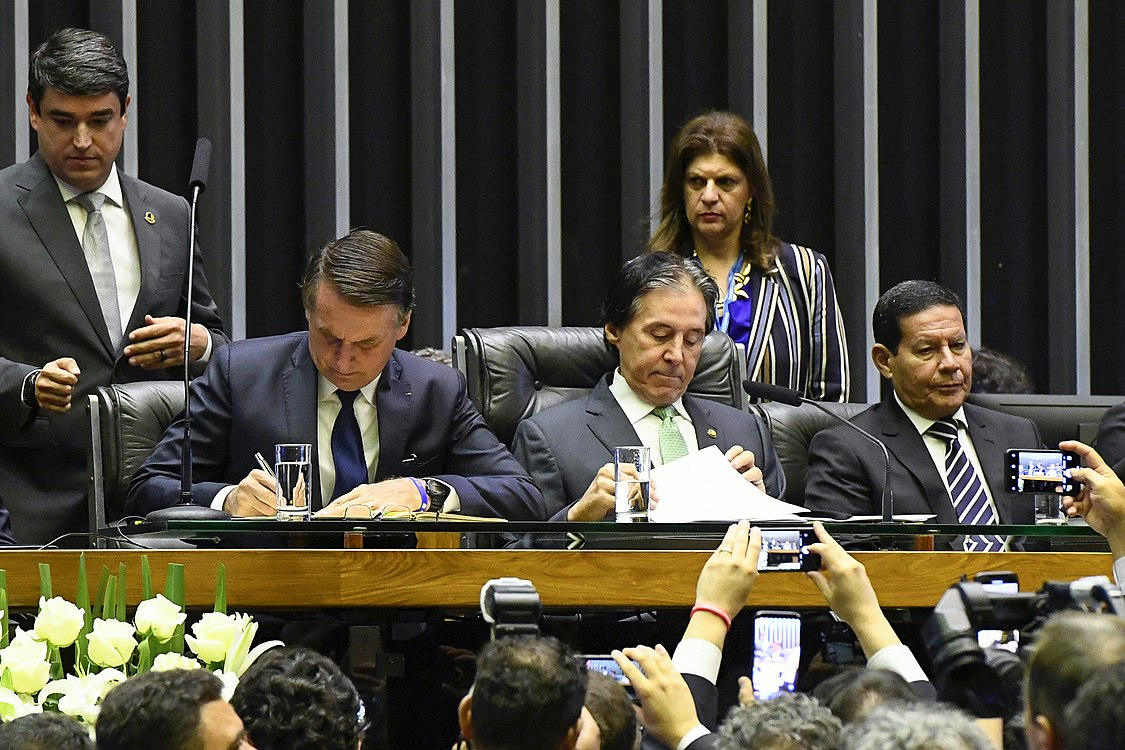 Plenário do Congresso (45837712104).jpg
