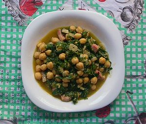Silene vulgaris - Manchego cuisine; chickpea and Silene vulgaris stew. (Potaje de garbanzos y collejas)