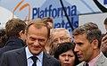 Premier i Robert Korzeniowski odpowiadali na pytania dziennikarzy (6165677611).jpg