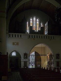 Pressbaum Pfarrkirche 4.JPG