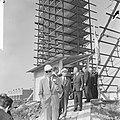 Prins Bernhard bezocht in aanbouw zijnd stadproject te Delft, prins Bernhard ver, Bestanddeelnr 918-2140.jpg