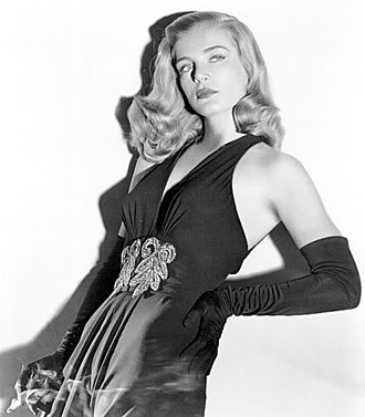 Lizabeth Scott - Scott in a publicity still for Dead Reckoning (1947)