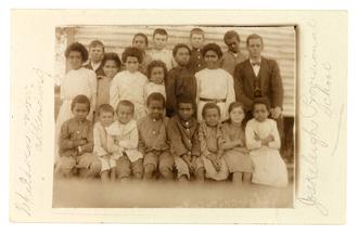 Joskeleigh, Queensland - Children attending Joskeleigh Provisional School, circa 1915