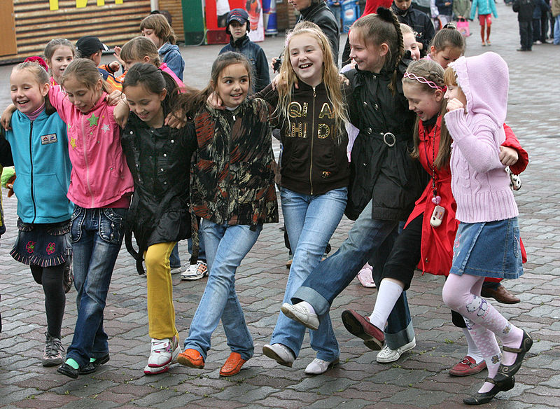 RIAN archive 398877 Festivities in Vladivostok to celebrate International Children%27s Day.jpg