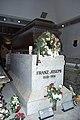 Rakev cisare Frantiska Josefa I. v cisarske hrobce.jpg