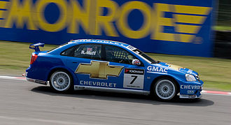 Robert Huff - Huff driving the Chevrolet Lacetti WTCC car at Brands Hatch in 2008.