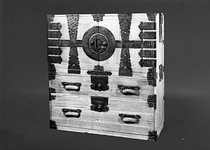 Tansu - Edo period ryobiraki chest on chest were used by merchant class women for personal clothing storage.