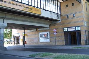 Schichauweg railway station - Image: S Bhf Schichauweg 3
