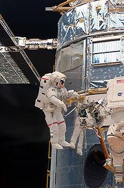 STS-125 EVA1 Grunsfeld