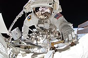 STS-134 EVA4 Gregory Chamitoff 4