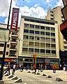 Sabana Grande Caracas. Bulevar de Sabana Grande. Edificio Araure, Patrimonio Arquitectónico de Caracas. Foto de Vicente Quintero.jpg