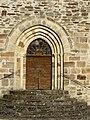 Saint-Cyr-les-Champagnes église portail.JPG