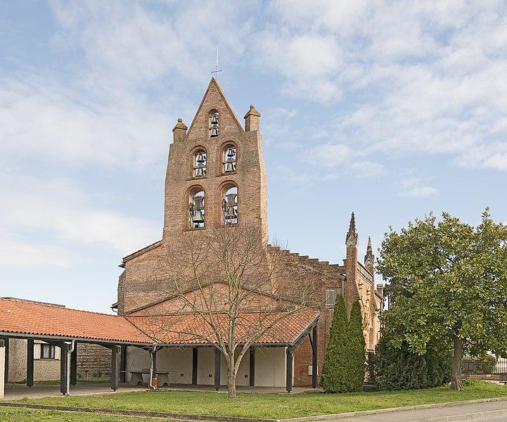 English:  Saint-Jean, Haute-Garonne. The Bell gable.