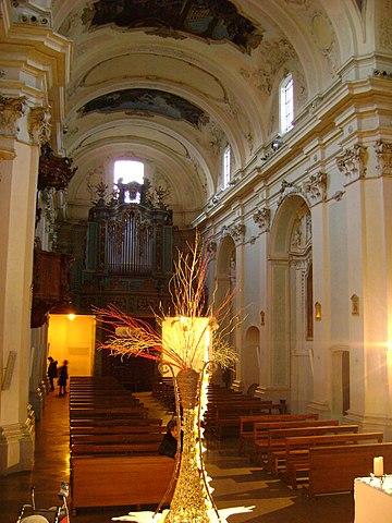 https://upload.wikimedia.org/wikipedia/commons/thumb/0/03/San_Francesco%2C_Lanciano_2.JPG/360px-San_Francesco%2C_Lanciano_2.JPG