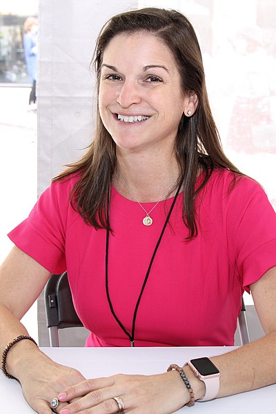 Picture of an author: Sarah Dessen